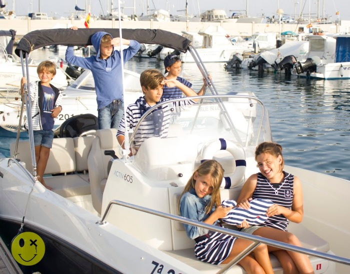 º0 un paseo en barco por Almería