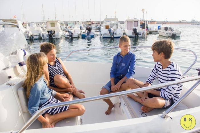 4 un paseo en barco por Almería