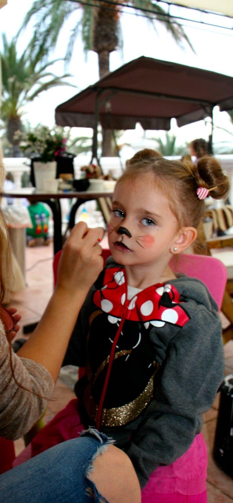 pintura  o maquillaje de mini mouse fiesta cumpleaños
