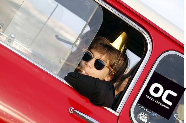moda en niños con gafas de sol