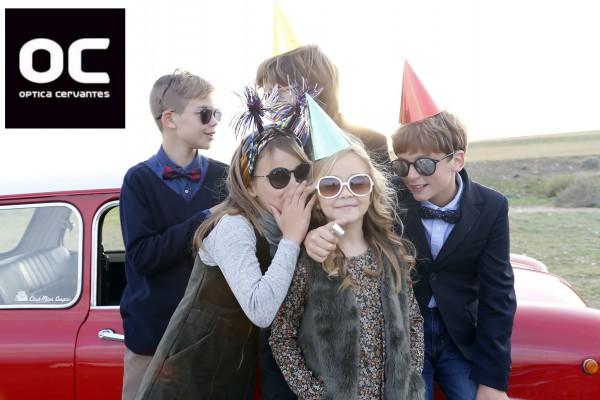 moda infantil en gafas de sol con los más pequeños de la casa