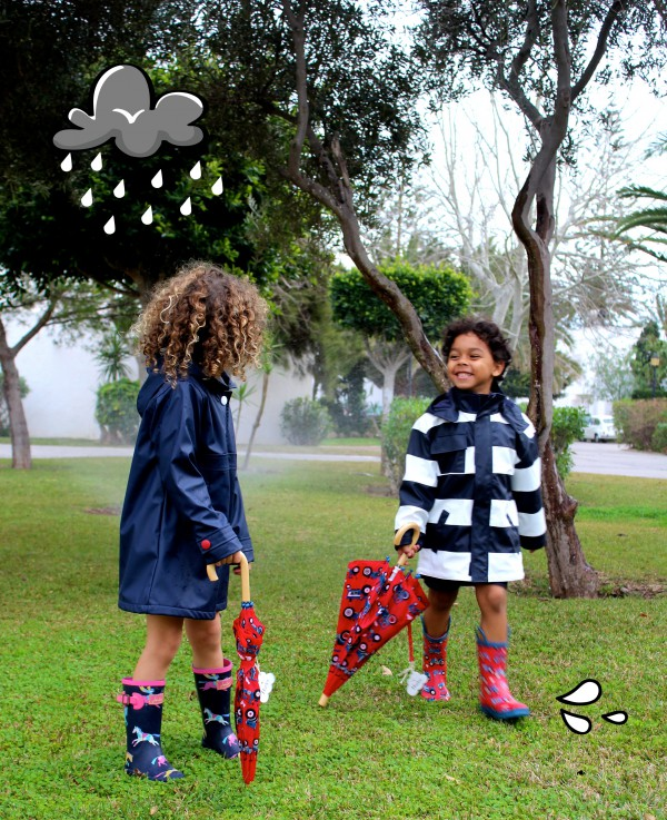 paraguas y botas a juego moda infantil