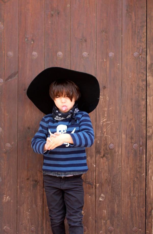 moda infantil almeria look muy chic con botines burdeos dr martens