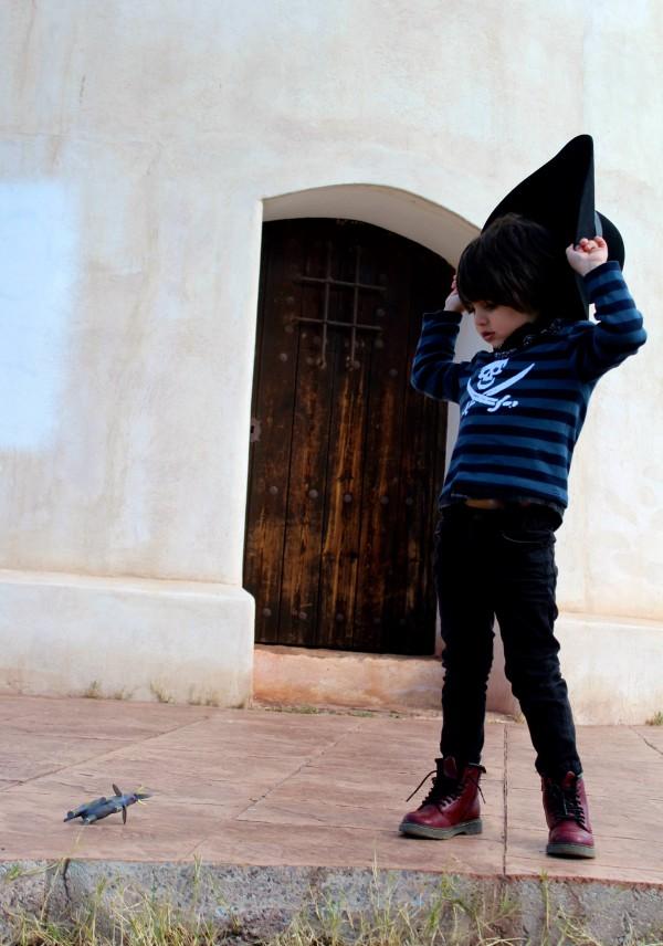 look casual con botines Dr martens moda infantil almeria