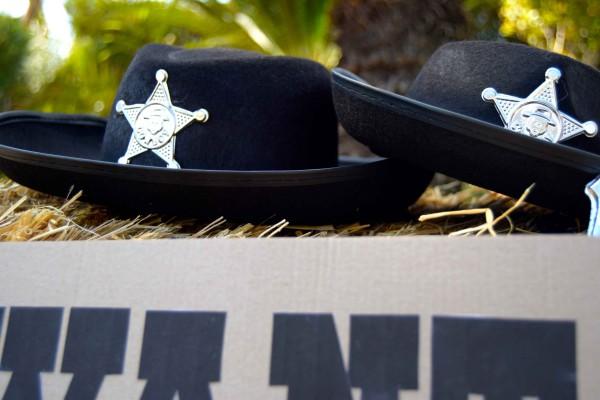 sombreros cheriff de atrezzo para cumple west