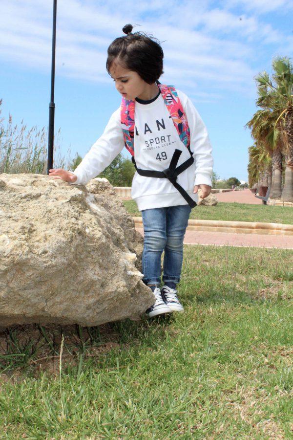 moda infantil almería con niño hipster sudadera blanca gant