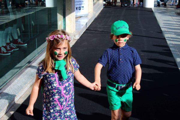 moda infantil almería desfile con benetton mucho color