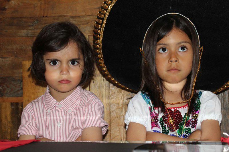 look niña totalmente artesanal mejicano auténtico moda infantil almería