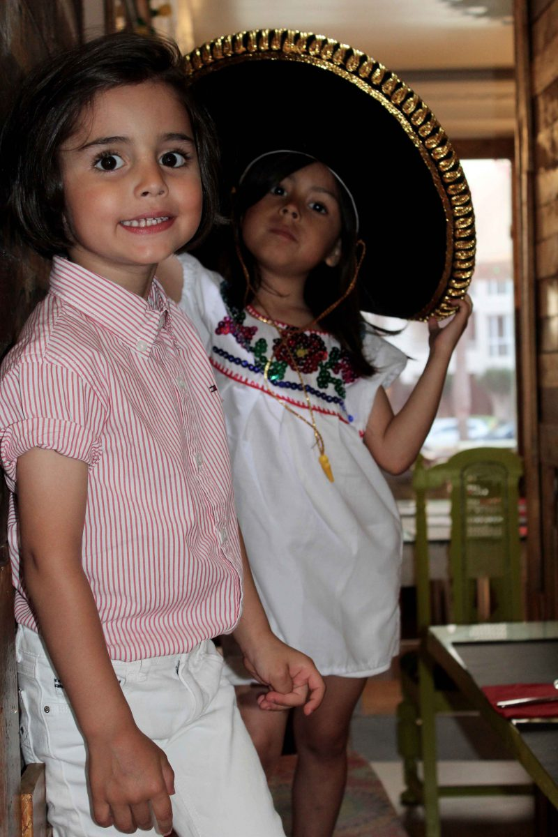 looks muy fashion para este verano en moda infantil camisa mejicana artesanal