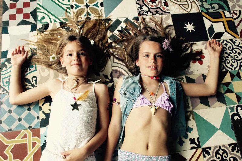 colgantes, pulseritas para este verano 2016 muy hippie chic para niñas