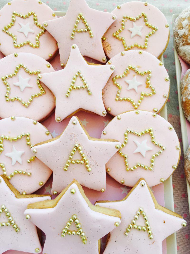 fiesta de comunión o cumpleaños niña rosa y dorada
