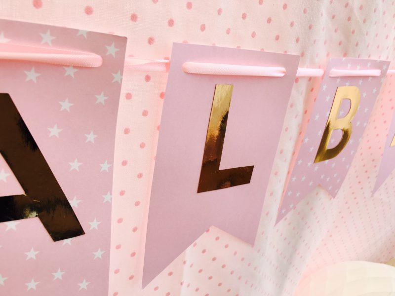 fiesta de cumpleaños o comunión en rosa y dorado muy especial