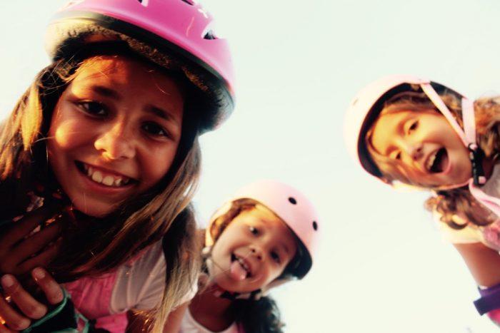 patines rosas y looks rosas niñas moda infantil