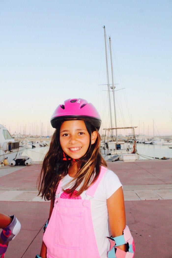 lo paso genial con mis amigas un día de patines muy rosa moda infantil