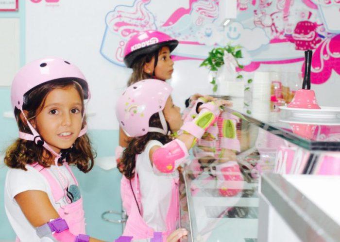 pedimos helados para finalizar el día moda infantil almería petos rosas
