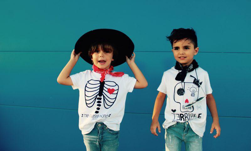 camisetas con calavera y esqueleto para niños muy trendy de aire retro