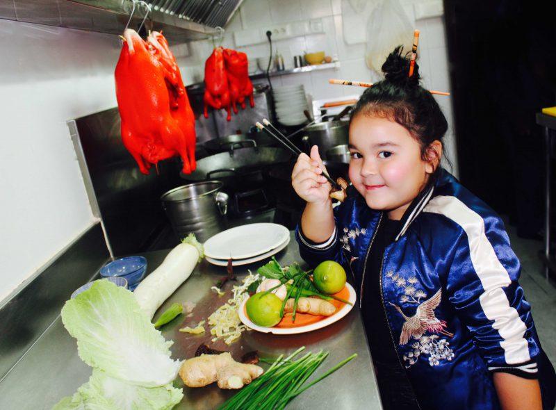 bomber con detaller chinos moda infantil