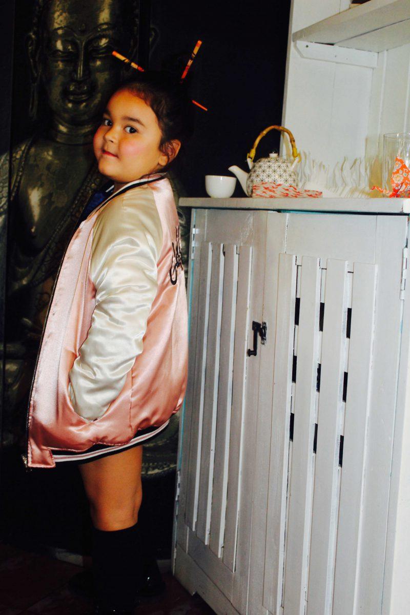 bomber para niña a la última lo más trendy en moda infantil